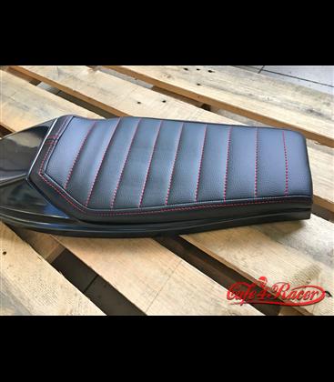 Tracker Flat Scrambler seat  Black STRAIGHT
