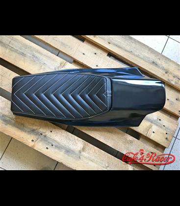 Sedadlo Flat Track - Café Racer CHEVRON